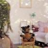 <h3>La chambre de la petite fille (vue de l'extérieur à travers la vitre)</h3>